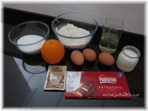 Ingredientes del bizcocho de naranja y chocolate